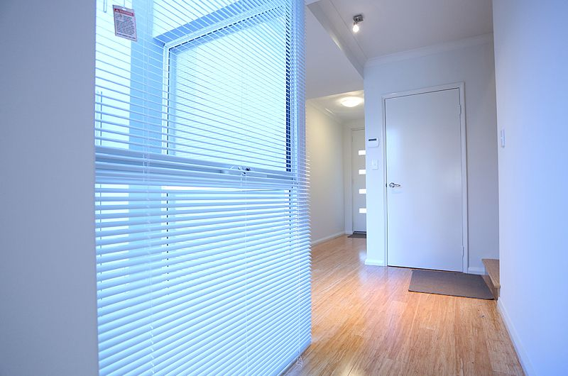 units-doubleview-quality-lighting.jpg