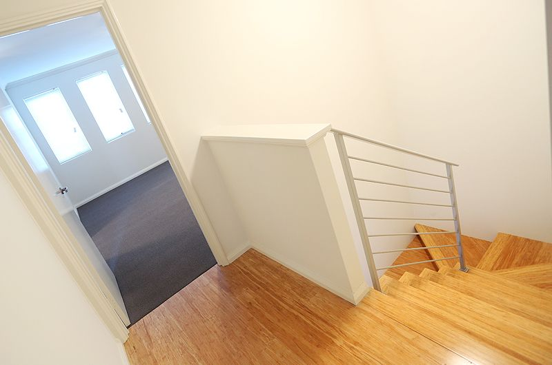 units-doubleview-timber-stairs.jpg