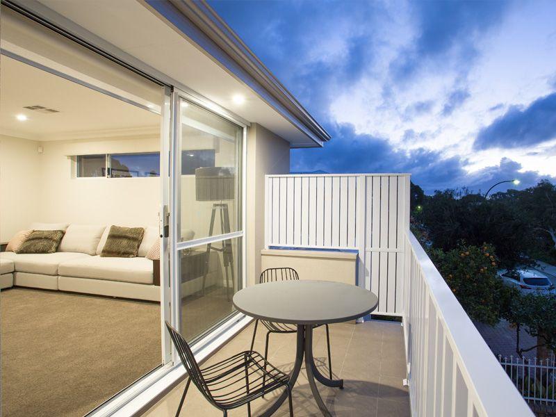 UD-swanbourne-balcony.jpg