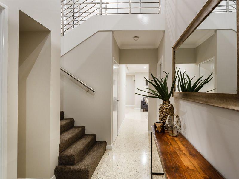 UD-swanbourne-stair.jpg