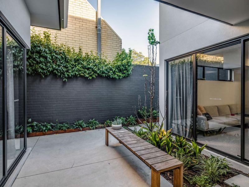 grant-st-courtyard.jpg
