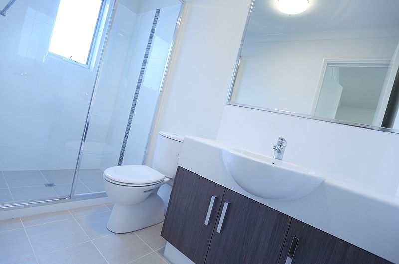 units-doubleview-bathroom.jpg